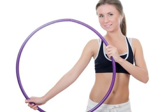 woman hula hoop2